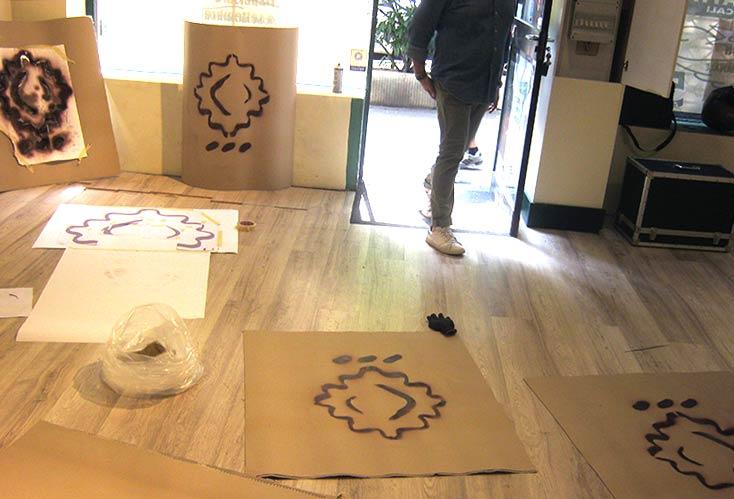 L'Anlot e Oltre - stencil per vetrine durante i lavori - franZroom.net