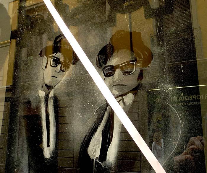 Blues Brothers in vetrina - pannelli decorativi per vetrine - franzRoom.net